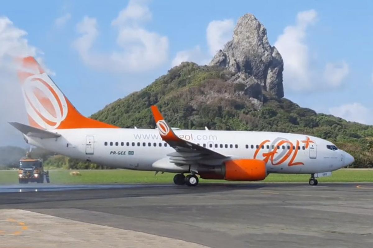 Boeing 737 da Gol em Fernando de Noronha