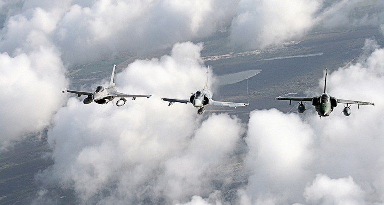 F-16, M2000 e A-1