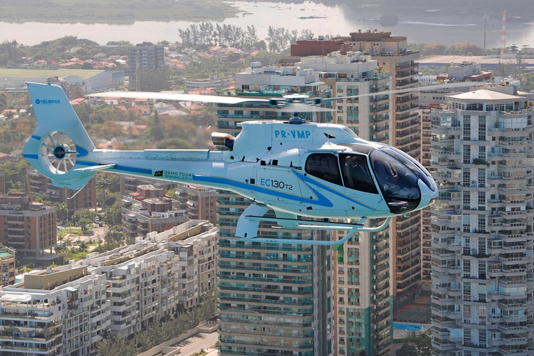 helicóptero EC130 T2