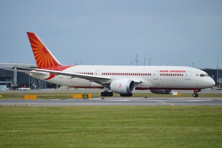 787 da Air India perde painel da fuselagem