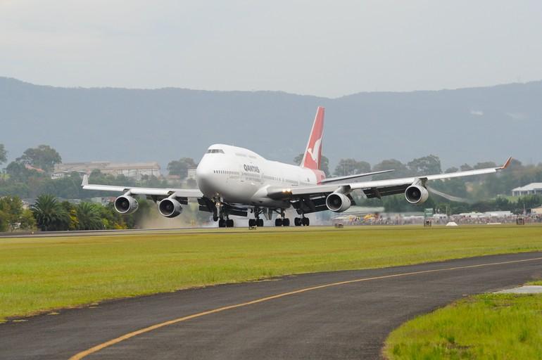 [Internacional] Boeing 747 da Qantas será exposto em museu na Austrália 747-400_vh_oja_1_free_big
