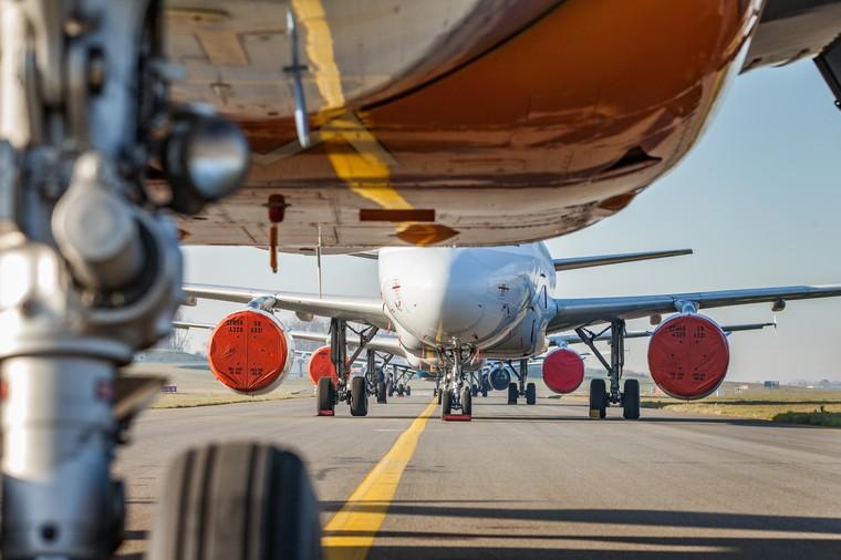 Frota de aviões parada por causa da pandemia