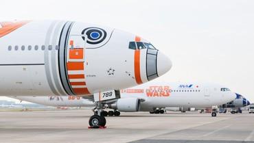 [Internacional] Empresa aérea japonesa mostra terceiro avião com pintura do Star Wars Ana_jet_16_free_medium