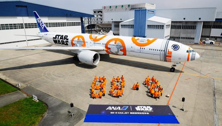 [Internacional] Empresa aérea japonesa mostra terceiro avião com pintura do Star Wars Ana_jet_6_free_big