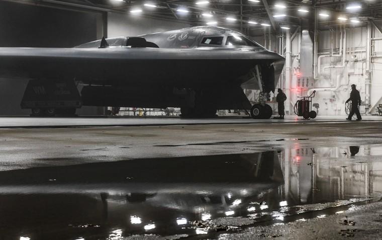 Bombardeiro B-2 em Portugal, nos Açores