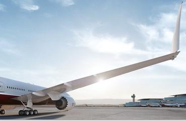 [Internacional] Novo avião da Boeing terá pontas das asas dobráveis Boeing-777x-12_free_medium