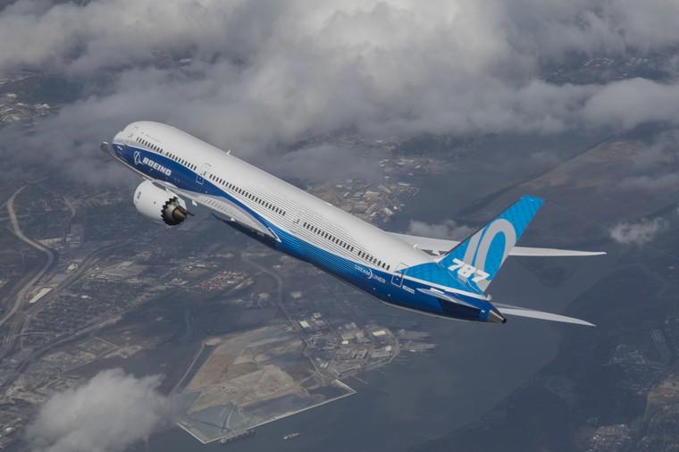 Boeing 787-10 em voo