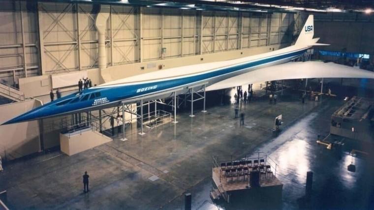 Mock up do supersônico Boeing 2707
