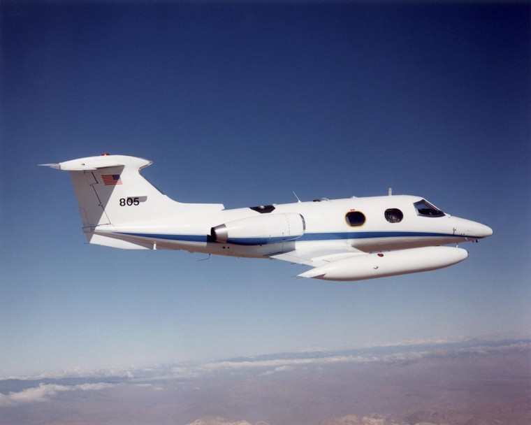 Learjet 24 em voo