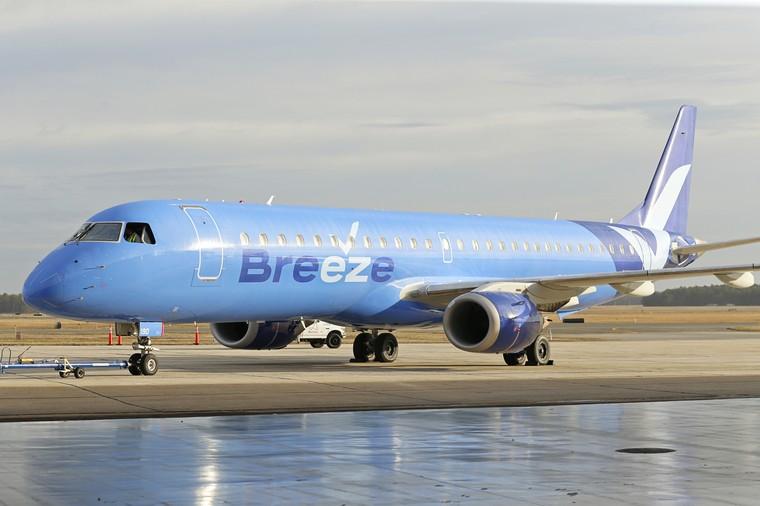 Embraer E190 da Breeze