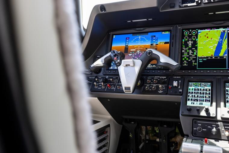 Cockpit do Embraer Phenom 300E