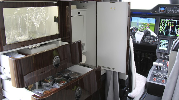 Galley do Phenom 300E