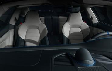 Interior do prosche 911 Turbo S da série Duet