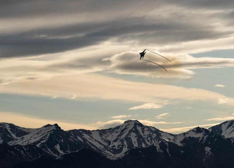 F-15EX em voo no Alasca