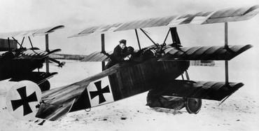 [Internacional] Todos os aviões de Snoopy no cinema Fokker_red_baron_free_medium