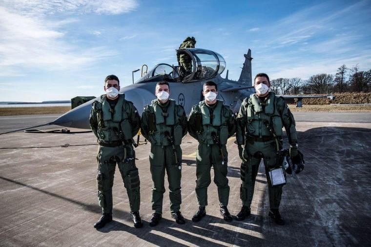 Primeiros quatro pilotos da FAB em treinamento no Gripen