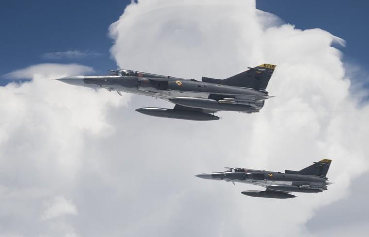 Caças IAI Kfir da força aérea da Colombia