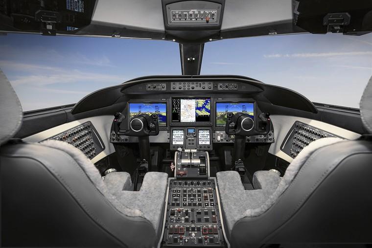 Cockpit do Learjet 75