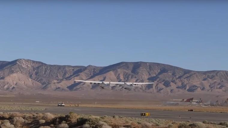 Segundo voo do Stratolaunch, o maior avião do mundo
