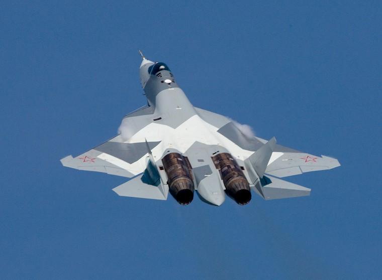 Sukhoi SU-57 com destaque para os motores