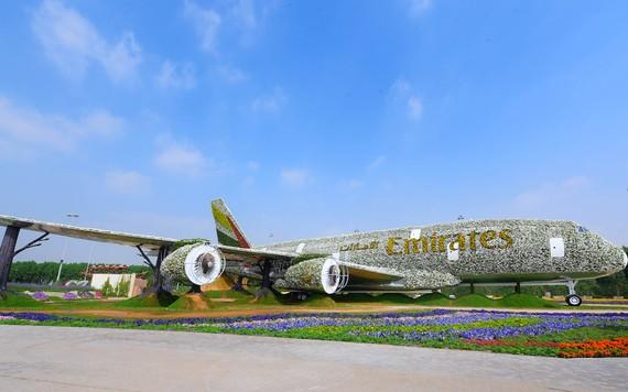 Airbus A380 feito de flores