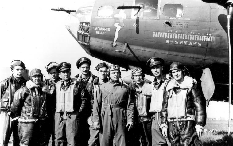"""317cbd06d5c O emblemático bombardeiro """"Memphis Belle"""" no museu da USAF · AERO Magazine"""