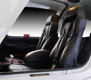 SR22 tem um terceiro assento atrás, para uma criança