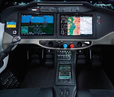Painel Garmim 2000 do TTx tem controle sensível ao toque