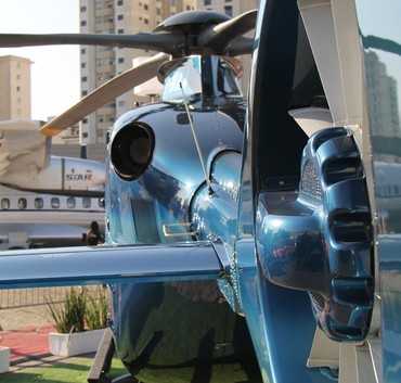 Grand New  no estande da AgustaWestland