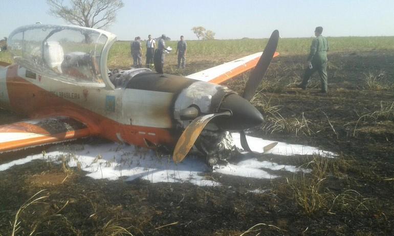 [Brasil] Avião da FAB faz pouso de emergência em São Paulo Ca8ee389-7a6a-4c32-bf6e-a7a5552bcb6c_free_big