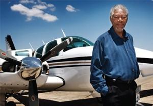 [Internacional] Dez celebridades que também pilotam aeronaves Morganfreeman_free_big
