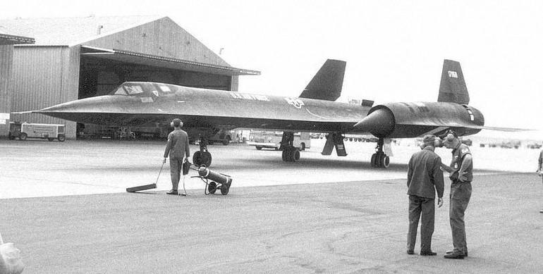 O dia em que o homem voou a mais de 3.500 km/h Spd_record006a_free_big