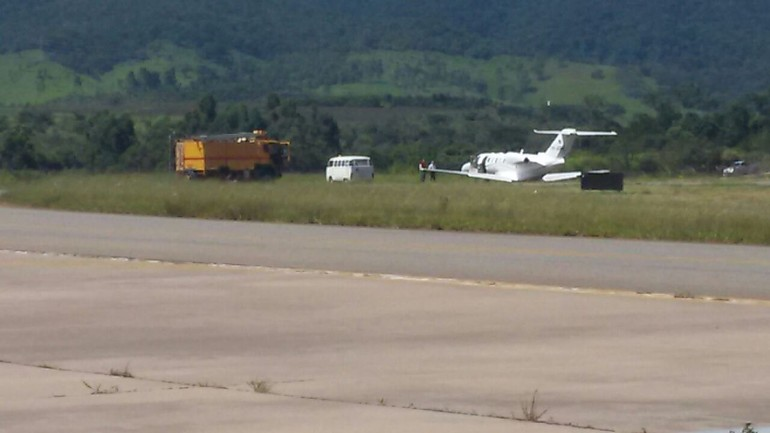 [Brasil] Jatinho vara a pista do aeroporto de Jundiaí Z_jundiai_1_free_big