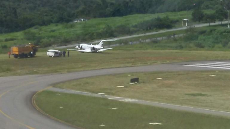 [Brasil] Jatinho vara a pista do aeroporto de Jundiaí Z_jundiai_2_free_big